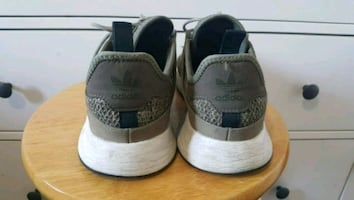 Ladies Adidas Runners size 8