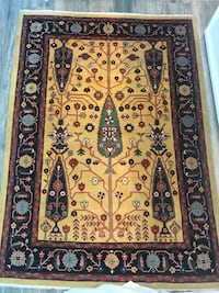 brown and black floral area rug Toronto, M2M 3X9