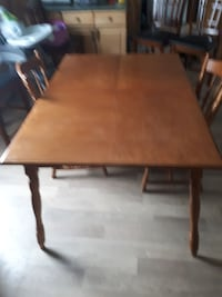 rectangular brown wooden dining table Brantford, N3T 2H3