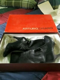 Arturo Chiang mid-calf lambs leather boots w/leather sole size 9 black