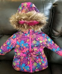 Baby girl winter jacket. almost new and in very go Mississauga, L5B 0G4