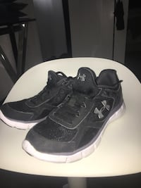 Under armour running shoes Courtice, L1E 1A4