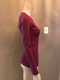 Burgundy cotton l/s top