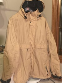 Men's M , ski/ snowboarding shell jacket. Like new. TECHNINE HIGHER. Beige colour, goes with everything. Price reduce  Calgary, T2Z 3R3