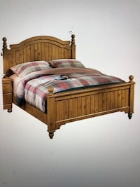 Queen Stained Wood Frame Bed, will Deliver ! Annandale