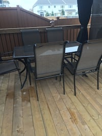 black metal patio table with chairs Ottawa, K4A 0R2