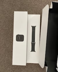 Apple Watch Series 5 Space Black Titanium