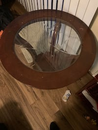 2 end tables with glass top Norfolk, 23503