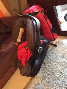 GRACO BABY STROLLER AND CAR SEAT FOR SALE