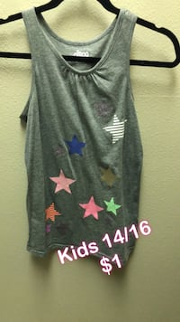 gray and red floral scoop-neck sleeveless shirt Bakersfield, 93311
