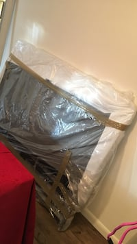 Queen Foldable boxspring ; Good Condition no longer need it