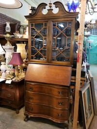 Chippendale bureau with key Montreal