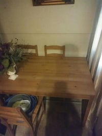 Wooden table for sale Newark, 07107