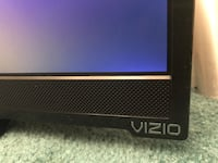 28in. Vizio Netflix TV Fort Washington, 20744