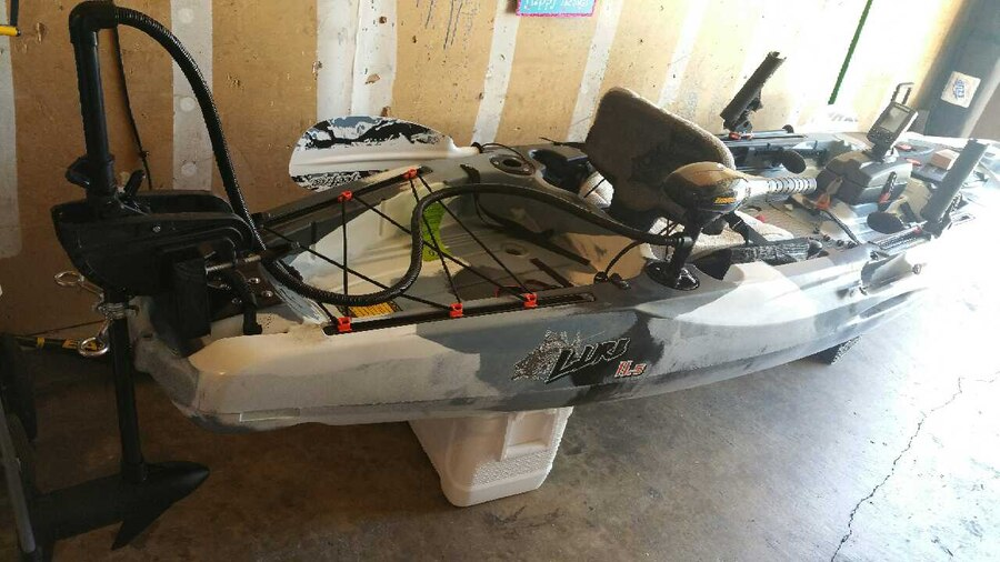 Letgo 2016 feel free lure 11 5 with a in fruitridge ca for Feelfree lure 11 5 with trolling motor