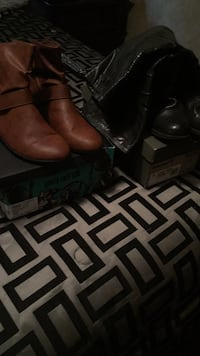 pair of brown leather boots San Marcos, 78666