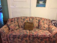 floral pull out couch Montreal
