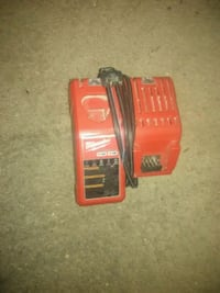 Milwaukee m12/m18 charger Des Moines, 50313
