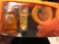 Body Shop gift set Mississauga, L5V 1S3