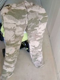 white and gray camouflage pants Cottonwood, 96022