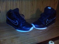 Size 4.5y Nike shoes  Laurel, 47024