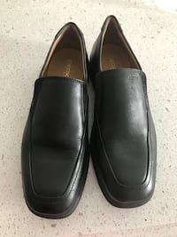 Size 6 boys Geox in pristine condition worn once for a wedding.