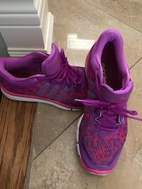 Running or training shoes size 8 Addidas Vaughan, L4L