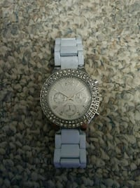 round silver-colored chronograph watch with link b Inwood, 25428