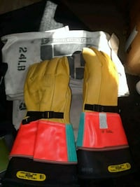 yellow and red life vest Fort Belvoir, 22060