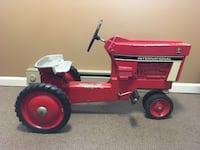 International Harvester ERTL Pedal Tractor 77 mi