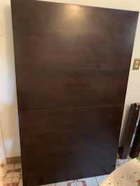 Kitchen table selling fast because moving 5x3 and extends  Toronto, M3J 1E6