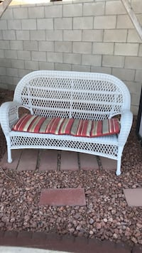 wicker love seat Bakersfield, 93314