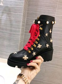 ladies Gucci bee logo boots