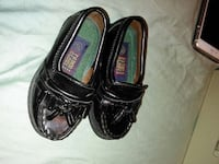 shoes for Kid size 5 1/2 Bakersfield, 93306