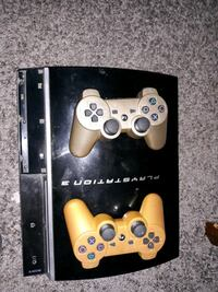 playstation 3 in perfect condition n alots of games  South Bend, 46628