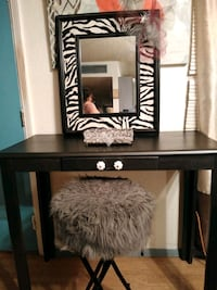 black and white wooden dresser with mirror El Paso, 79907