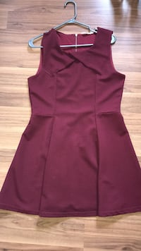 Burgundy dress Windsor, N8P 1Y8