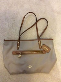 Coach purse Port Coquitlam, V3C 6C5