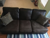 Faux/leather over-sized couch North Charleston, 29485