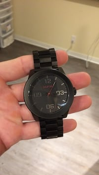 Nixon the corporal watch. black on red Cambridge