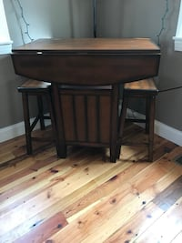 Kitchen dining table 10 mi