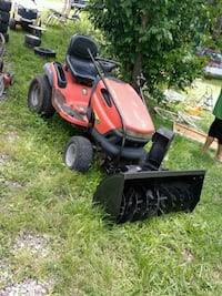 red and black ride on mower Christiansburg, 24073