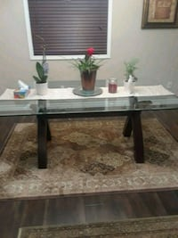 Dinning room table for sale.  Great condition  Kitchener