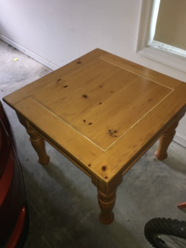 Sold Broyhill Fontana End Table In