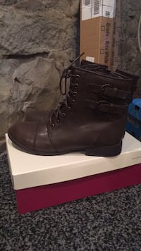 Never worn before brown ankle boot