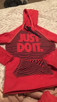 red and black striped pullover hoodie Burien, 98148