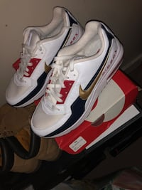 Air Max Sneakers Size 10 New York, 11208