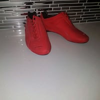 PUMA SHOES BRIGHT RED - SIZE 9 US  509 km