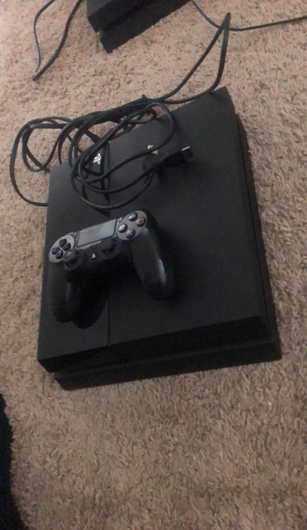 Ps4 500GB comes with two games