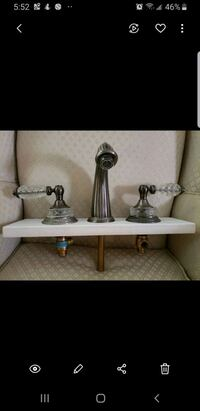 Crystal antique looking faucet perfectly works Oakville, L6H 3L1
